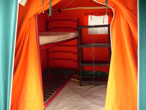 Interno tenda da 4 posti